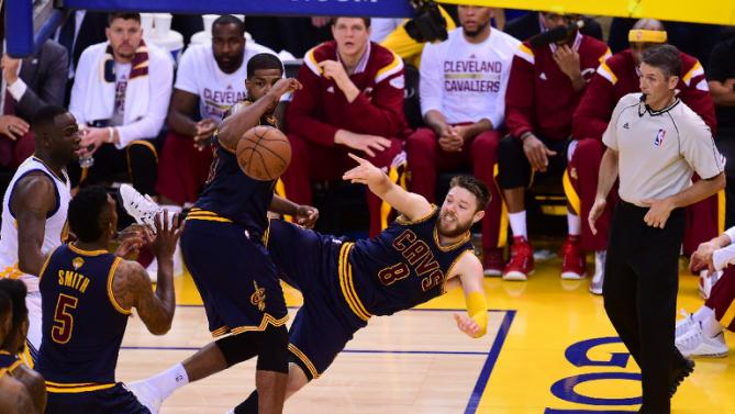 Matt Dellavedova's heady play is common sight for the Cavs these days. (AFP Photo/Frederic J Brown