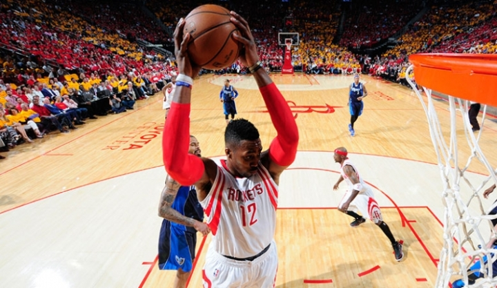 A healthy Howard has Houston thinking big. (Getty Images)