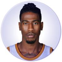Photo Shape Editor: https://www.tuxpi.com/photo-effects/shape-tool