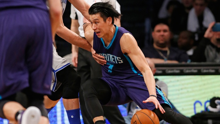 Jeremy Lin is up to his old 4th quarter tricks. (Kathy Willens/AP Photo)