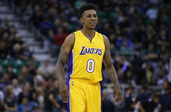 9638836-nick-young-nba-los-angeles-lakers-utah-jazz-850x560